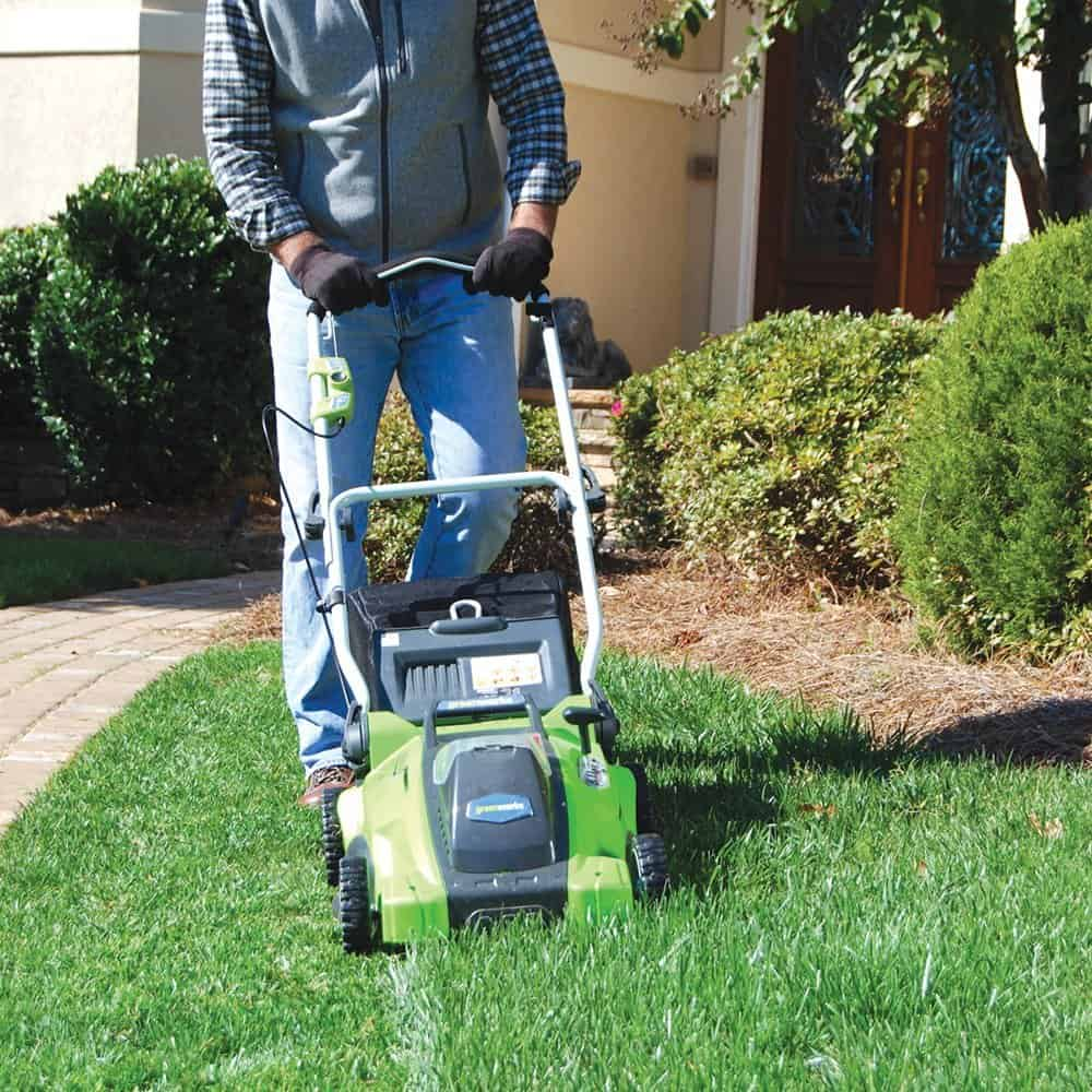 Best Lawn Mower Reviews Guide on the Market 2017